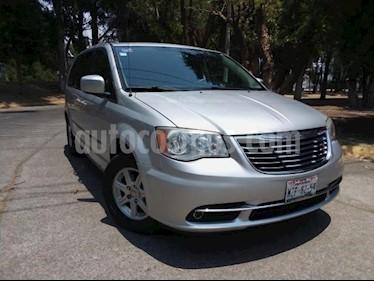 Foto venta Auto usado Chrysler Town and Country 5p LX V6/3.6 Aut DVD (2011) color Plata precio $199,000