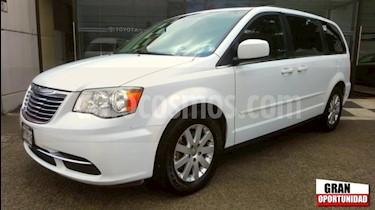 Foto venta Auto usado Chrysler Town and Country 5p LX V6/3.6 Aut (2014) color Blanco precio $195,000