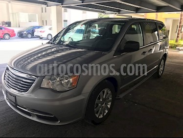 Foto venta Auto usado Chrysler Town and Country Li 3.6L (2016) color Plata Martillado precio $310,000