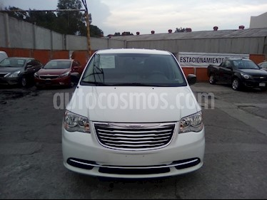 Chrysler Town and Country Li 3.6L usado (2016) color Blanco precio $285,000