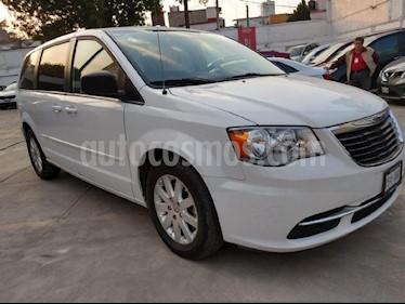 Foto venta Auto Seminuevo Chrysler Town and Country Li 3.6L (2015) color Blanco precio $250,000