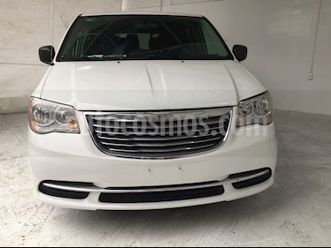 Chrysler Town and Country Li 3.6L usado (2016) color Blanco precio $254,950