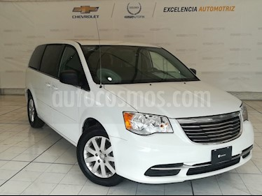 Foto venta Auto usado Chrysler Town and Country Li 3.6L (2015) color Blanco precio $225,000