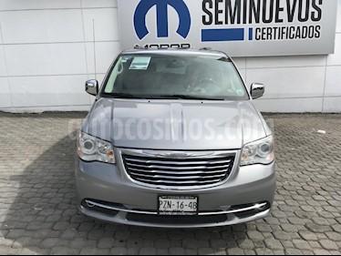 Foto venta Auto Seminuevo Chrysler Town and Country Limited 3.6L (2014) color Plata precio $310,000