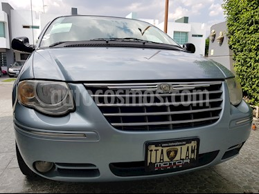 Foto venta Auto usado Chrysler Town and Country Limited 3.6L (2006) color Azul precio $129,000