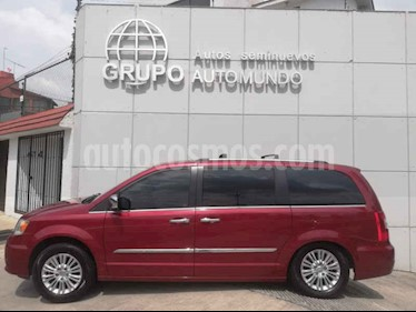 Foto venta Auto usado Chrysler Town and Country Limited 3.6L (2014) color Rojo precio $289,000