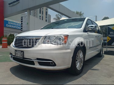 Foto venta Auto usado Chrysler Town and Country Limited 3.6L (2014) color Blanco precio $245,000