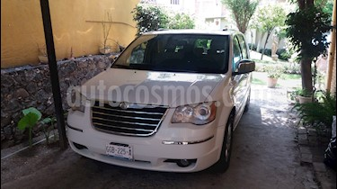 Foto Chrysler Town and Country Limited 3.6L usado (2010) color Blanco precio $155,000