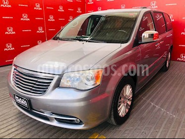 Foto venta Auto usado Chrysler Town and Country Limited 3.6L (2014) color Plata precio $273,000