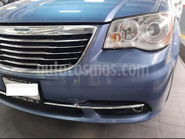 Chrysler Town and Country Limited 3.6L usado (2011) color Azul Zafiro precio $199,000