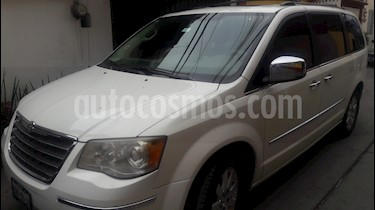 foto Chrysler Town and Country Limited 4.0L usado (2009) color Blanco precio $152,000