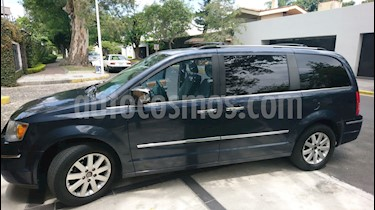 Foto venta Auto usado Chrysler Town and Country Limited 4.0L (2008) color Azul precio $108,000