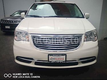 foto Chrysler Town and Country LX 3.6L usado (2013) color Blanco precio $199,000