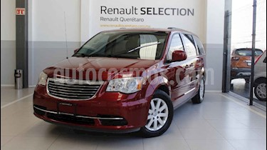 Foto venta Auto usado Chrysler Town and Country LX 3.6L (2014) color Rojo precio $205,000