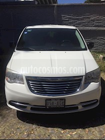 Chrysler Town and Country LX 3.6L usado (2013) color Blanco precio $145,000