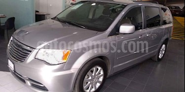 Foto venta Auto usado Chrysler Town and Country LX 3.6L (2014) color Plata precio $239,000