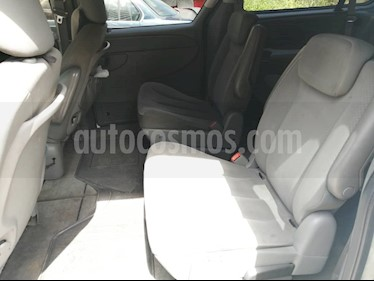 Chrysler town and country mini van usado (2007) color Blanco precio BoF5.000