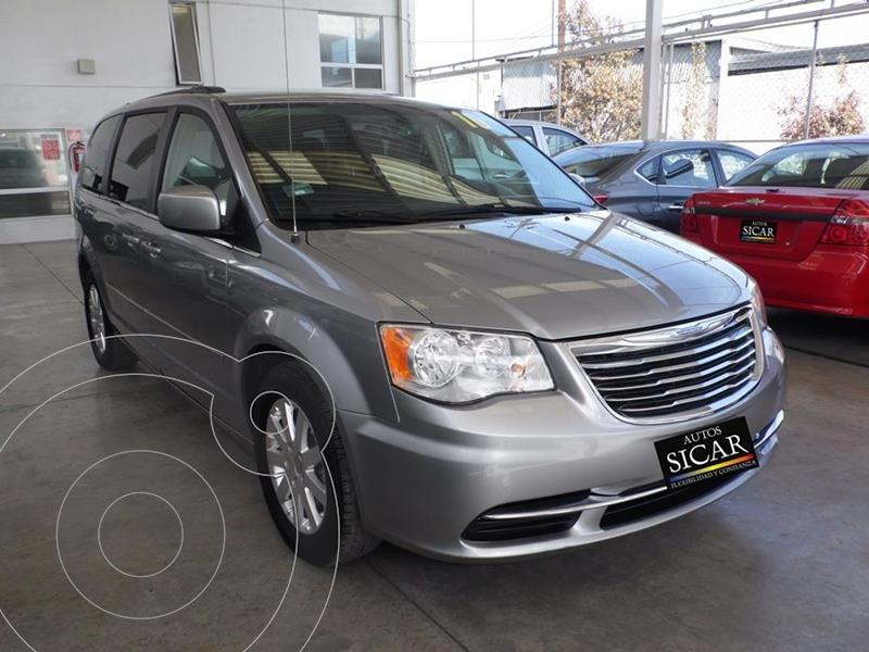 Foto Chrysler Town and Country Touring 3.6L usado (2016) color Gris precio $239,000