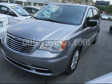 Chrysler Town and Country Li 3.6L usado (2016) color Plata Martillado precio $267,950