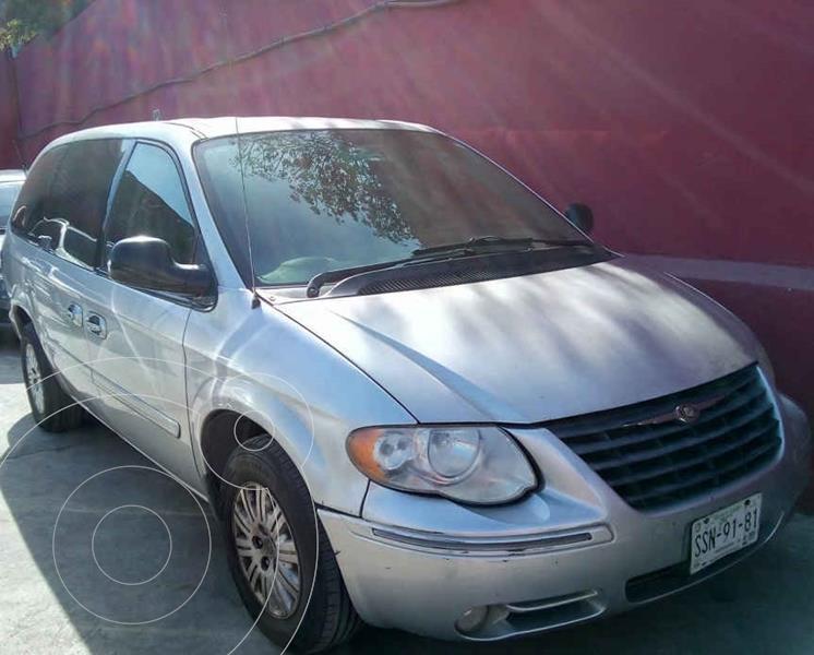 Foto Chrysler Town and Country LX 3.6L usado (2007) color Plata precio $83,000