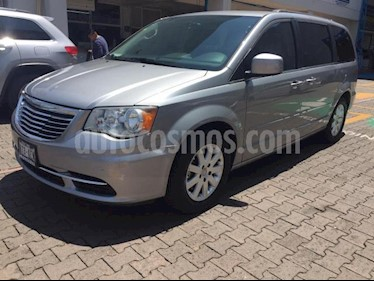 Chrysler Town and Country 5P TOURING V6/3.6 AUT PIEL usado (2015) color Plata precio $240,000