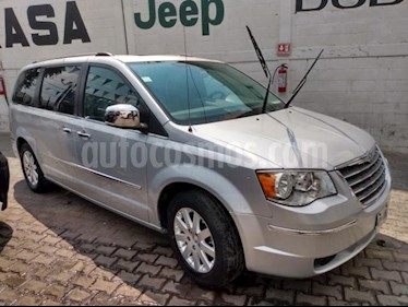 Chrysler Town and Country 5P LIMITED TA PIEL DVD QC RA-17 usado (2010) color Amarillo precio $150,000