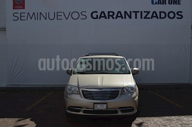 Foto Chrysler Town and Country Touring 3.6L usado (2016) color Cashmere precio $269,900