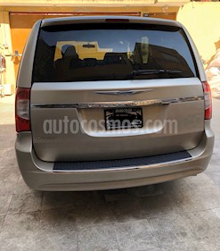 Chrysler Town and Country Li 3.6L usado (2015) color Cashmere precio $215,000