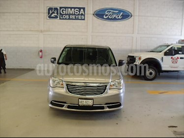 Chrysler Town and Country Touring 3.6L usado (2016) color Plata precio $230,000