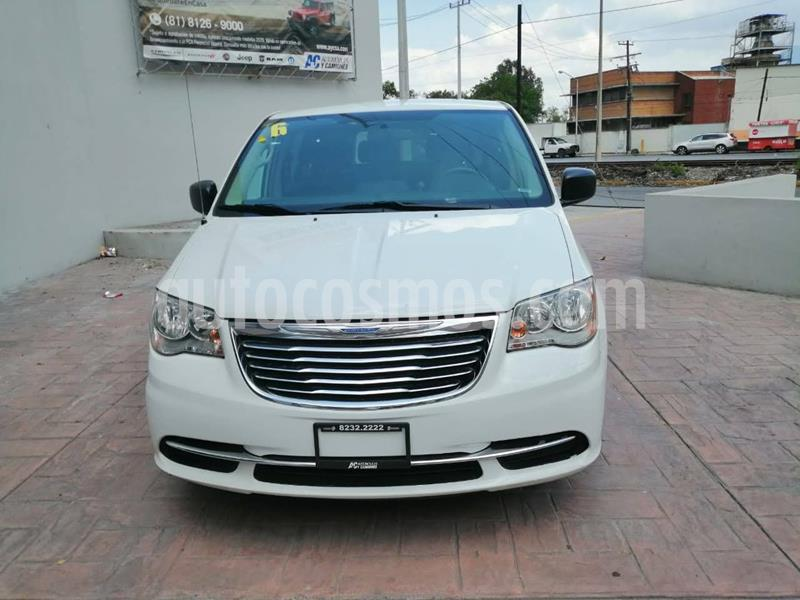 Chrysler Town and Country Li 3.6L usado (2016) color Blanco precio $239,900