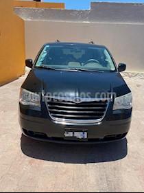Chrysler Town and Country LX 4.0L usado (2008) color Negro precio $138,000