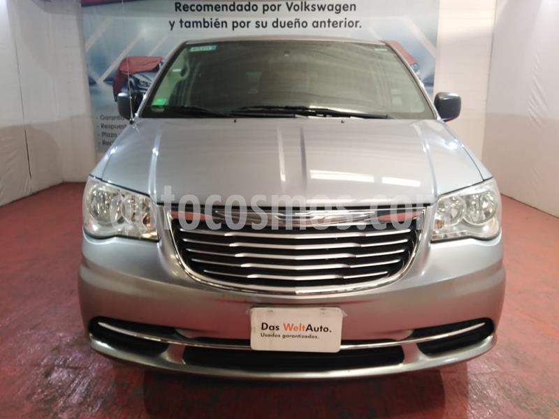 Chrysler Town and Country Limited 3.6L usado (2015) color Plata Martillado precio $191,000