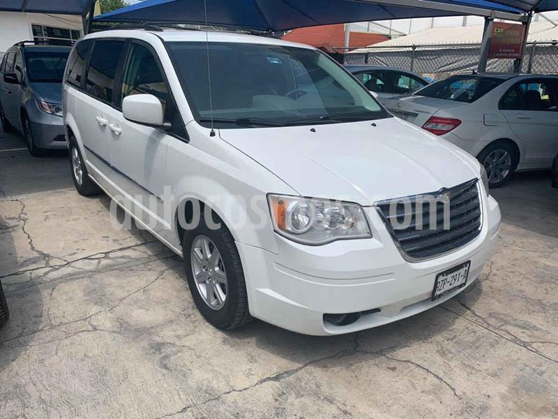 Chrysler Town and Country Touring 3.6L usado (2010) color Blanco precio $149,900