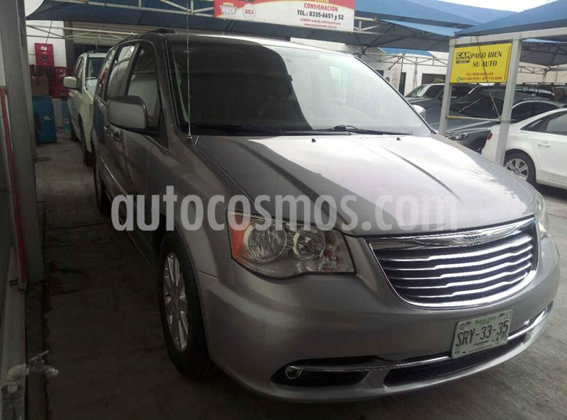 Chrysler Town and Country Touring 3.6L usado (2014) color Gris precio $259,900