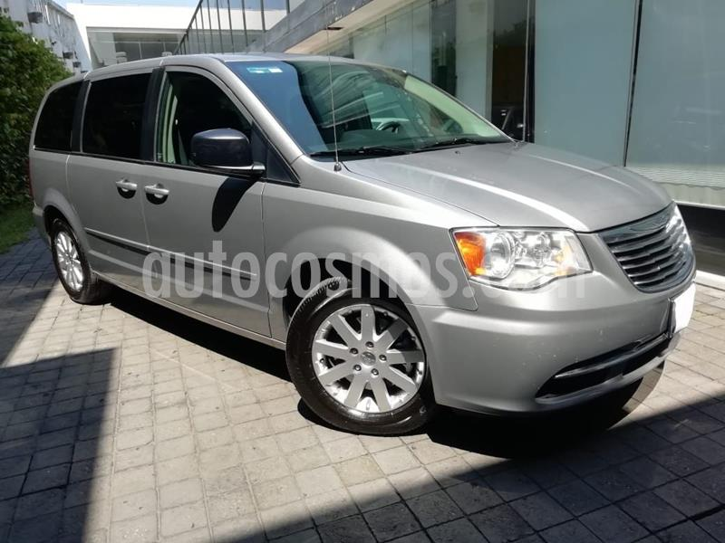 Chrysler Town and Country Li 3.6L usado (2016) color Gris precio $250,000