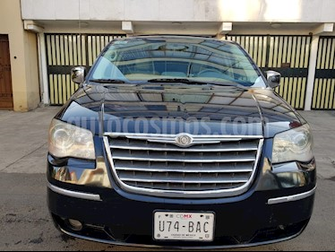 Chrysler Town and Country Touring Premium 4.0L usado (2010) color Negro precio $145,000