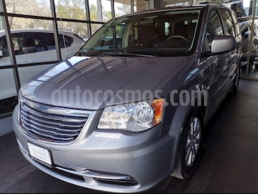 Chrysler Town and Country Li 3.6L usado (2014) color Plata Martillado precio $189,000