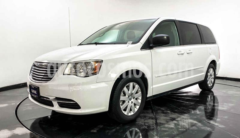 Chrysler Town and Country Li 3.6L usado (2014) color Blanco precio $207,999