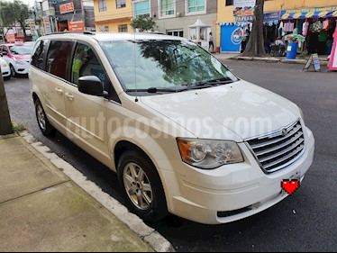 Chrysler Town and Country LX 4.0L usado (2009) color Blanco precio $129,500