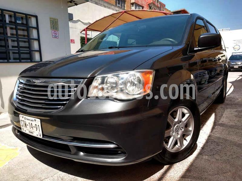 Chrysler Town and Country LX 3.6L usado (2012) color Gris precio $149,500