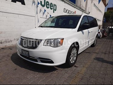 Chrysler Town and Country 5P LI TA CD RA-17 usado (2015) color Blanco precio $199,000
