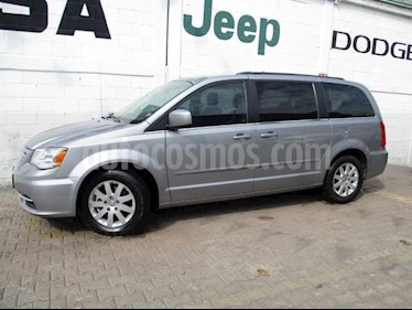 Foto Chrysler Town and Country 5p Touring V6/3.6 Aut usado (2016) color Plata precio $285,000
