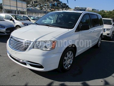 Chrysler Town and Country Li 3.6L usado (2016) color Blanco precio $235,000