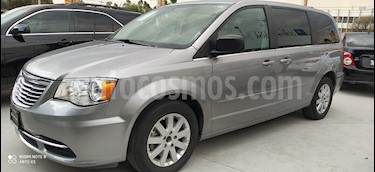 Chrysler Town and Country Li 3.6L usado (2016) color Plata Martillado precio $260,000
