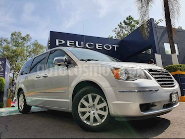 Chrysler Town and Country Limited 3.6L usado (2010) color Plata precio $169,900