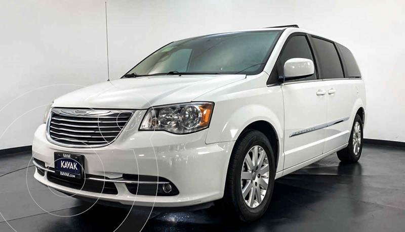 Chrysler Town and Country Touring Piel 3.6L usado (2015) color Blanco precio $279,999
