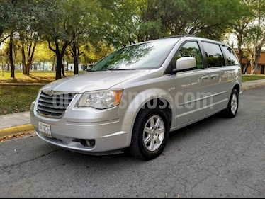 Chrysler Town and Country Touring 3.6L usado (2009) color Plata precio $125,000