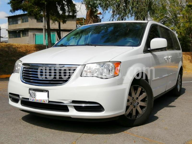 Chrysler Town and Country Li 3.6L usado (2014) color Blanco precio $205,000