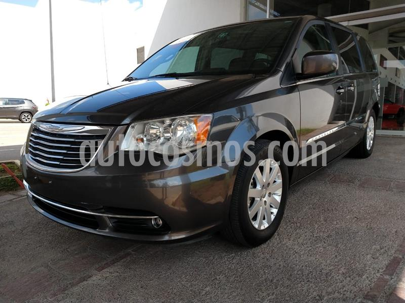 Chrysler Town and Country Touring Piel 3.6L usado (2016) color Gris precio $315,000