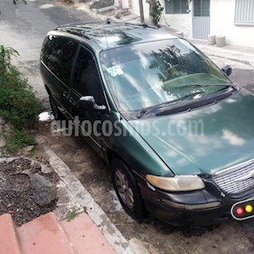 Chrysler Town and Country Limited 3.8L Aut usado (1998) color Verde precio $28,000